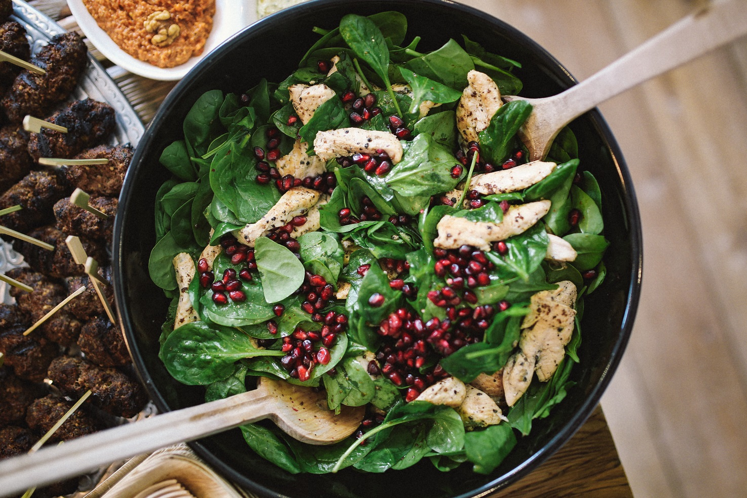 spinach-pomegranate-and-chicken-salad-salade-verkleind